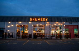 wooden hill brewery patio dining edina mn