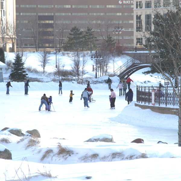 Skate Centennial Lakes Park